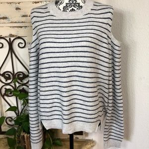 Lucky brand gray and navy cold shoulder sweater